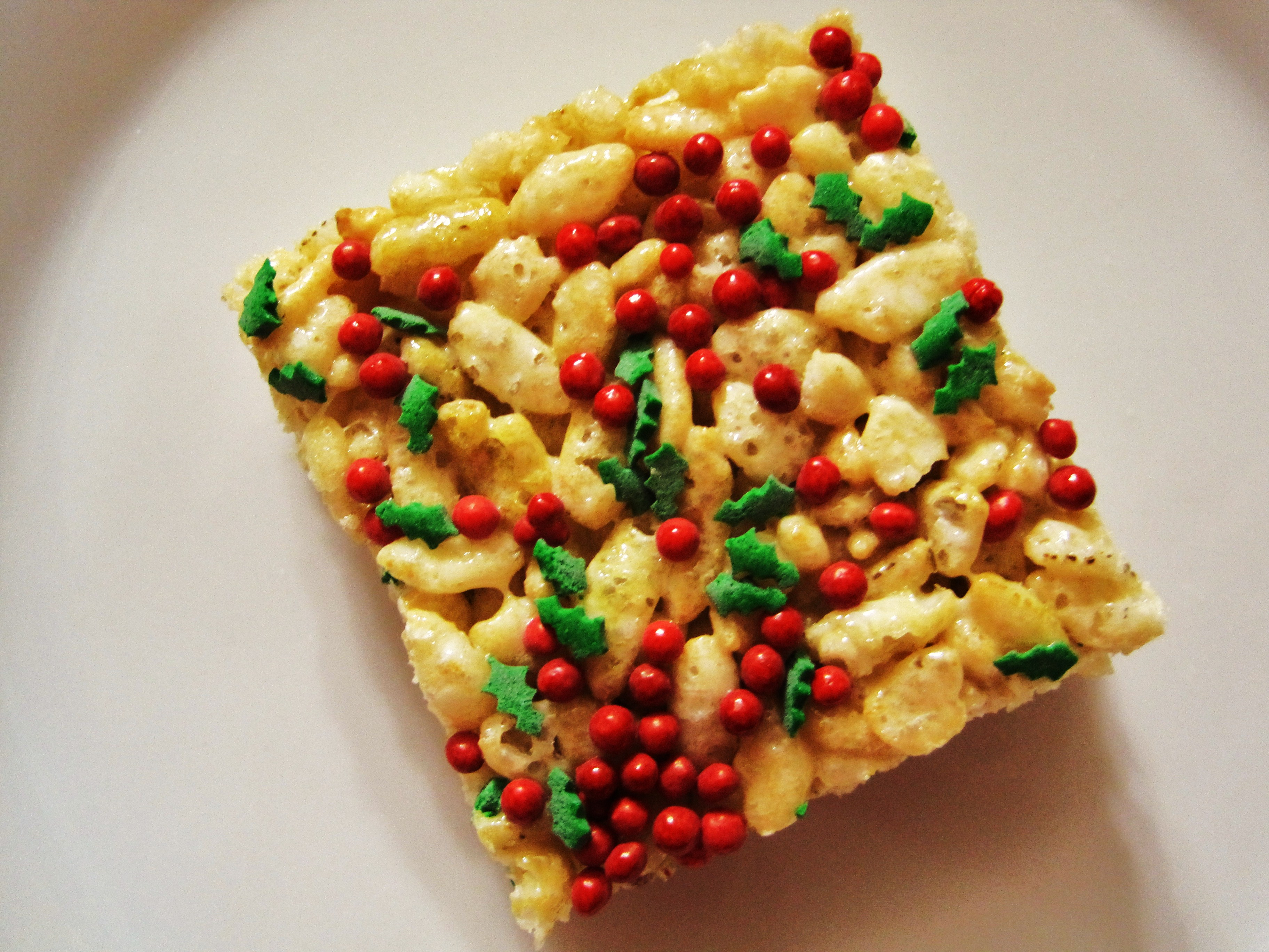 Holiday Rice Krispie Treats | Peanut Butter and Peppers